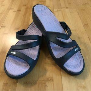 CROCS strappy sandals w lavender purple insole